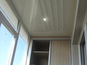 Сушилка и электрика на балконе